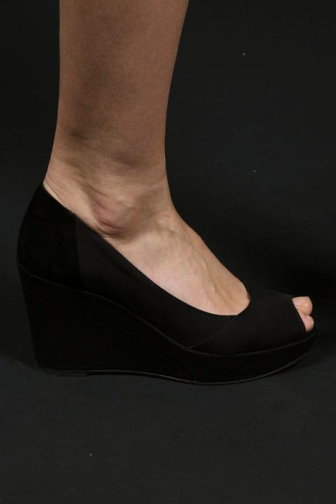 whyredshoes
